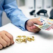Građani za pozajmice zalažu sve što imaju – od zlata, antikviteta pa do tehnike