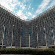 EU izuzela 10 velikih banaka iz trgovine obveznicama