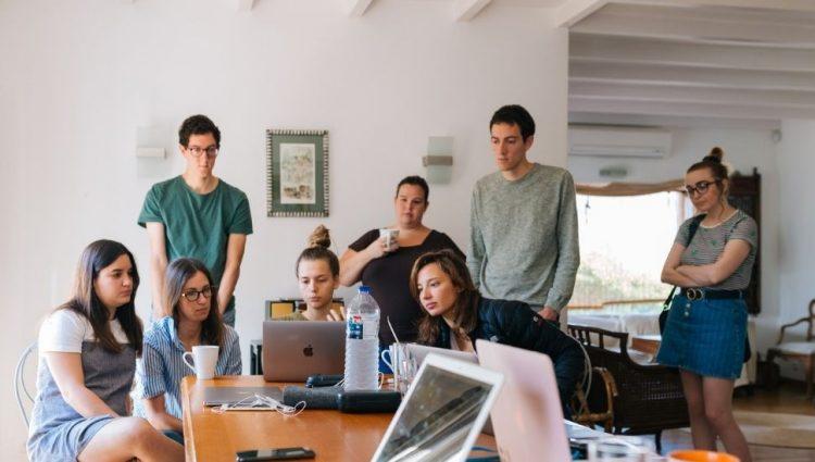 Mnogi mladi u Srbiji odustaju od školovanja, a nezaposlenost raste