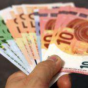 Građani umesto poklona od 60 evra dobili kredit koji će vraćati sa kamatom