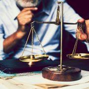 Novi predlog zakona, ipak, po meri advokata