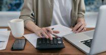 Kako na cenu kredita utiču nominalna i efektivna kamata?