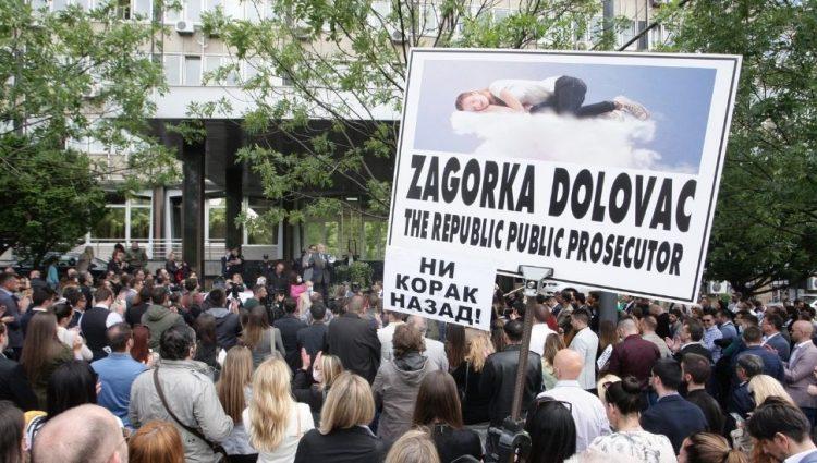 Ima li razloga za protest posle sporazuma ministarstva i AKS o parnicama?