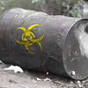 Opasan otpad neretko završava na njivama, potrebno dugoročno rešenje