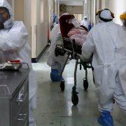 Pandemija nije gotova, upozoravaju iz SAD i EU