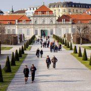 Beograd bi trebalo da se ugleda na Beč, a Novi Sad na Ljubljanu