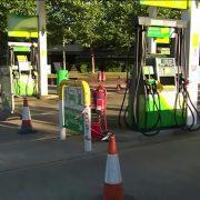 Redovi na benzinskim pumpama u Londonu
