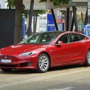 Tržišna vrednost kompanije Tesla premašila 1.000 milijardi dolara